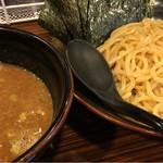 麺食い 慎太郎 - 濃厚魚介つけめん(890円)味玉(110円)&のり増量(無料)