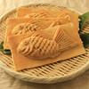 たいやき 神田達磨 - 料理写真:サクサクともっちりのおいしい羽根つきたい焼き