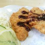 新華苑 - 料理写真:美味しいトンカツ