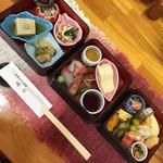 明石 - 料理写真:お昼の三段重