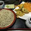 和花十割そば - 料理写真:野菜天ぷら付のそば食べ放題