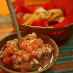 ラ・コシーナ・ガブリエラ・メヒカーナ - お通しのサルサとチップス