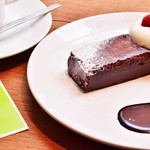 アナログ カフェ ラウンジ トーキョー - ガトーショコラ