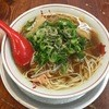 神戸ラーメン 第一旭 - 料理写真:コショウはもともとバンバンかかってるねん。