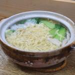 餃子荘 ムロ - 冬季限定の 鶏煮込みそば