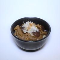 麺や勝治 - もつ煮丼