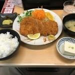とんかつ人参亭 - ロースカツ定食(1,200円+消費税)