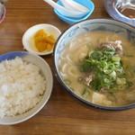 白ひげ食堂 - 豚汁うどん+めし(小)