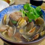 もつ焼 稲垣 - アサリ酒蒸し