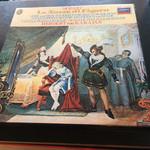 49417342 - モーツァルトのオペラ『フィガロの結婚』のレコード♬