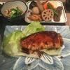 料理とお酒 ちどり - 料理写真:ブリ照り焼きの定食800円。うますぎるっ!