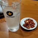 中華料理 華宴 - レモンサワー&豆