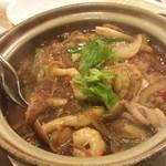 美楽一杯 - 春雨と海鮮の土鍋