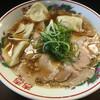 小鉄 - 料理写真:ラーメン 水餃子トッピング