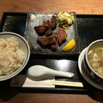 福島にし屋 - 極熟成厚切り牛タン定食