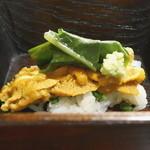 なる屋 - 御凌ぎ 赤ウニ寿司