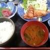 とりよし - 料理写真:唐揚げ定食(食べかけ※唐揚げ2個少ない)