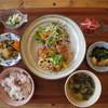 ユンタン カフェ - 料理写真:YUNTANランチ4種の副菜付き850円