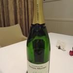 エタンセール カワモト - 一杯目のボトル