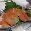 元祖立ち飲み屋 - 料理写真:赤貝刺身\280円
