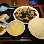 美叙飯店 - 木くらげ、玉子、肉炒め定食(480円)