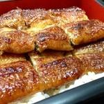 かん吉 - 脂の落とし方も白焼き同様で早速頂いてみるとサックサクの食感!