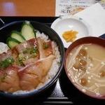 やるき茶屋 - ハマチの漬け丼生姜風味500円(2015.10)