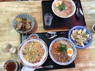 お食事処ひろ - 中華、特製中華、焼きめし、おでん(やおぎも、ガリ、スジ)、ホルモン天5つ! ご馳走です(^^)