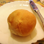 ル カフェ プランタニエ - 焼きたて丸パン!