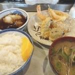 大吉 - 海老(150円)、鯵(150円)、鱚(150円)、椎茸(100円)、あさりの味噌汁(350円)、白飯中(150円)