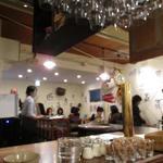 燕食堂 - 店内の様子
