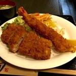 太悟活 - 料理写真:ヘレかつエビフライ定食