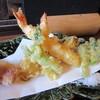 江戸そば 侘介 - 料理写真:先ず最初に天婦羅が揚がってきました、天婦羅は添えられた天つゆか塩でいただきます。