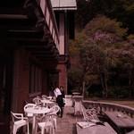 鎌倉 花ごころ - 館裏手が南側テラス