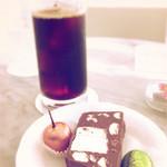 ショコラティエ・エリカ - アイスコーヒーとマボンヌ、スリーズロワイヤル