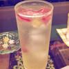 シャララ舎 - ドリンク写真:鉱石のソーダ水 赤のレモンスカッシュ