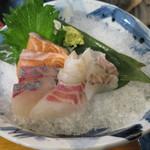 日本酒酒場立呑み 仁 - 鮮魚5種盛り