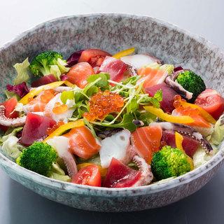 北の味紀行と地酒 北海道 - 海の恵彩りサラダ