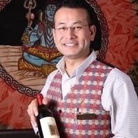 ネパール料理にしっかり合うワインを一緒に考えます。
