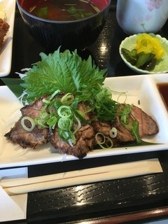 レストランすいず - 牛たたき