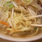 濃菜麺 井の庄 - コシのある極太麺と濃厚スープ