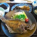 鯖島食堂 - カレイの唐揚げ定食