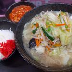 49805912 - タンメン(750円)+定食(170円)
