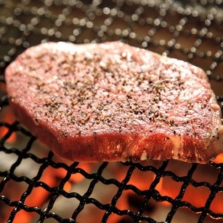 A5ランク黒毛和牛リブロース等のお肉と季節野菜にもこだわり!