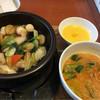 上海常 - 料理写真:土鍋五目中華飯とミニ麺セット