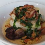 49836766 - 本日の魚介と茸の木の実バター焼き ほうれん草のグリーンソース