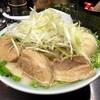 壱蔵家 - 料理写真:こちら塩とんこつ全部のせ!