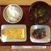 札幌白石食堂 - 料理写真:ご飯小130円、小蕎麦260円、塩鯖260円、卵焼き195円、合計785円です。