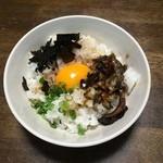 魚三 - 店主のアドバイスで「まかない飯」も作ってみました。少量の鰻を刻み薬味と合わせポイントは秘伝のタレ!