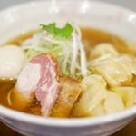 チラナイサクラ - 2016.4 旨味凝縮 ワンタン麺(900円)+旨玉(100円)